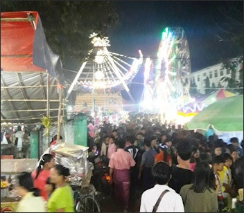 BUDDHIST HOLIDAYS, FESTIVALS AND CALENDARS   Facts and Details