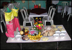 20080219-ancetsor worship, offeirng to dead on New Year.jpg