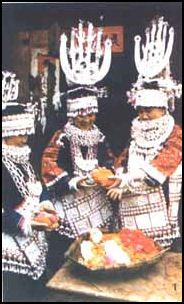 HMONG MINORITY: SOCIETY, CULTURE, FARMING | Facts and Details