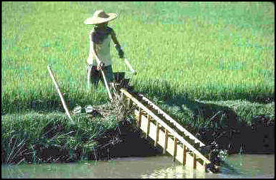 traditional chinese agriculture and farming facts and details rh factsanddetails com Orbit Irrigation 4 Station Manual Center Pivot Irrigation