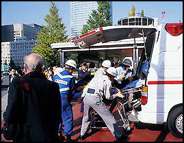 20100502-AMBULANZ08 japan-photo.de.jpg