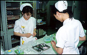 20100502-nurses D-AR07-01 japan-photo.de.jpg