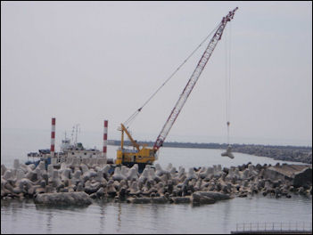 20111101-Tepco breakwaters 111008_11.jpg