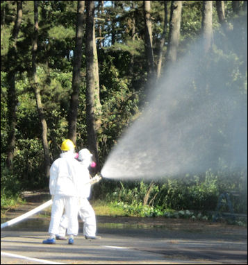 20111101-Tepco spray water after pure111007_02.jpg