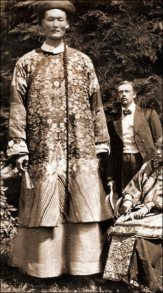 Traditional ancient chinese clothing men