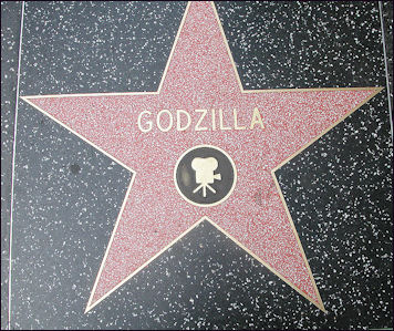 20111108-715px-Godzilla_Walk_of_fame.jpg