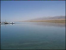 20111125-220px-Qinghai_Lake_May_2006.jpg