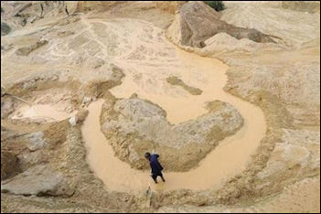 20111201-Reuters china mine.jpg
