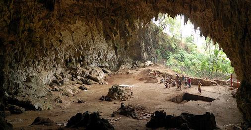 20120205-Homo_floresiensis_cave.jpg