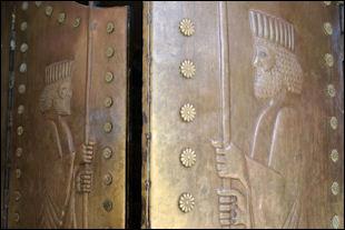 20120209-Zoroastrian_temple_doors_in_Yazd.jpg