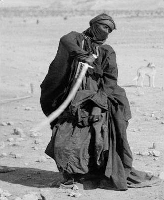 20120210-Bedouin_sword_dance.jpg