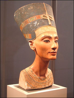 20120211-Nefertiti_berlin.jpg