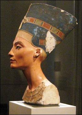 20120211-Nefertiti_bust_atles.jpg