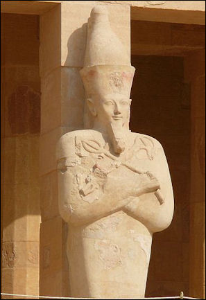 20120211-Queen Hatshepsut Statue_Mortuary_Temple_of_.jpg