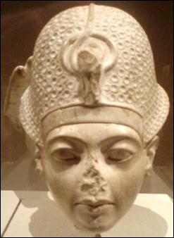 20120211-Tutankhamun-StatueHead_MetropolitanMuseum.png