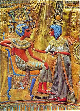 20120211-Tutankhamun_and_his_wife.jpg