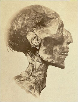 20120212-Ramses_II_-_The_mummy.jpg