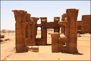 20120214-Piramidi_Khartoum-5.jpg
