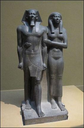 20120215-King_Menkaura_(Mycerinus)_and_queen.jpg