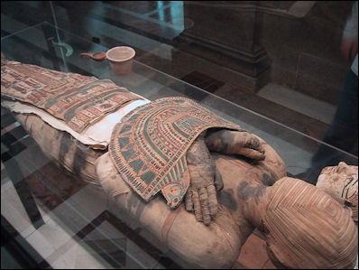 a comparison of ancient egypt and greco roman practices and rituals for the dead The ancient egyptian book of the dead on coffins: ritual protection and  justification of  from the beginning of the new kingdom through the graeco- roman period  this paper summarizes those data and compare with similar  osteometric.