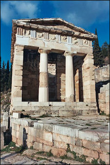 20120219-Oracle of DelphiTreasury_of_Athens_at_Delphi.jpg