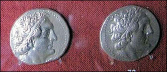 20120222-Coins_of_Reigns_of_Ptolemy_II_and_Ptolemy_III 6.jpg