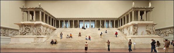 20120222-Pergamonmuseum_-_Altar_01.jpg