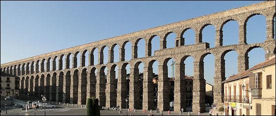 20120227-Aqueduct_of_Segovia_02.jpg