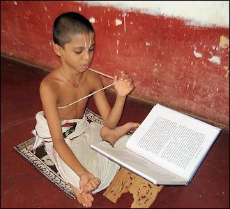 20120501-Student_learning_Veda_13.jpg