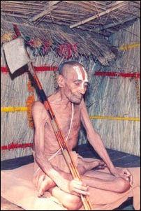 20120502-Tridandiswamiji.jpg