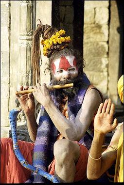 20120502-sadhu_playing_flute_Benaras.jpg