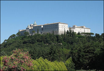 20120508-Benedict Monte_Cassino_abbey_from_cemetery.JPG