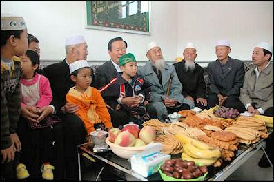 Best Child Eid Al-Fitr Food - 20120509-Hui_family_eid  Image_662776 .jpg