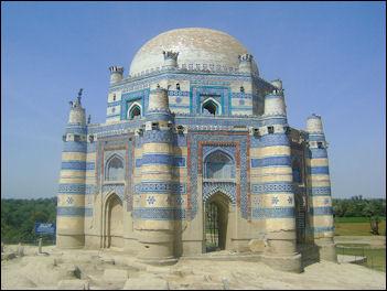20120510-Bibi_Jawindis_Tomb.jpg