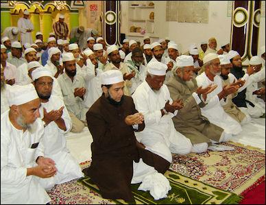 20120510-Ghousavi_Shah_at_Masjid.jpg