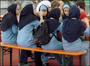 20120510-Iranian_students_robocup.jpg