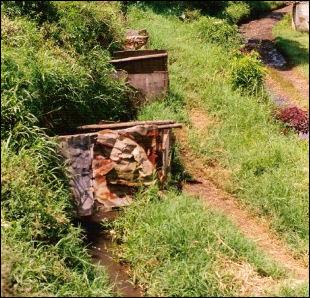 20120512-Primitieve_toiletten_indonesia.jpg