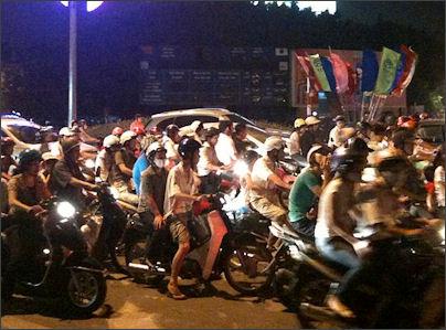 20120513-Kim_Ma_motorbike_traffic_HN.jpg