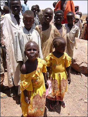 20120513-MSF Refugee_children_in_Chad.jpg