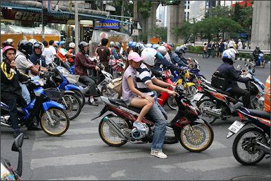 20120513-Motorbikes_in_Bangkok.jpg