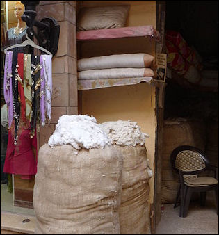 20120529-cotton Luxor_bazar_cotton.JPG
