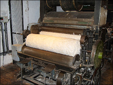 20120529-wool restored_carding_machine_at_Quarry_Bank_Mill.jpg