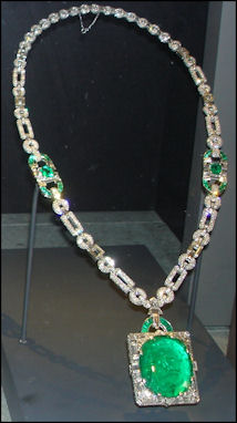 20120530-Emerald National_Museum_of_Natural_History_Emeralds_1.JPG