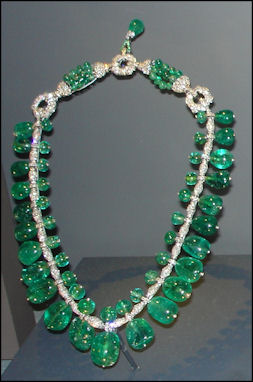 20120530-Emerald National_Museum_of_Natural_History_Emeralds_12.jpg