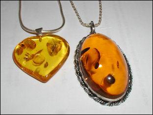 20120531-Amber.pendants.800pix.050203.jpg