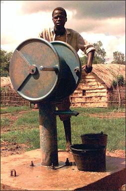 20120531-Manual_pump_in_Somalia.JPEG