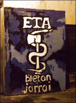 20120710-ETAlsasua_09_-_Impunidad_callejera_de_los_asesinos_1.JPG