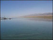20111125-220px-Qinghai_Lake_May_2006.jpg