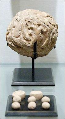 20120208-Accountancy_clay_envelope_Louvre.jpg