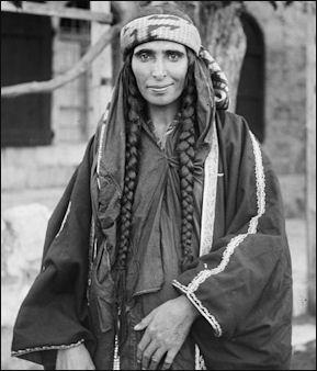 20120210-Bedouin_woman_(1898_-_1914).jpg